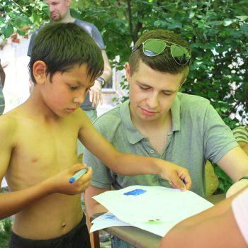Leaf Academy experimentalny semester Ukrajina - ciganska osada pri Uzhorode.